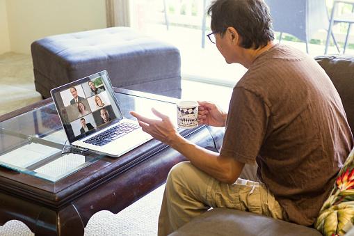 Curs anglès online adults